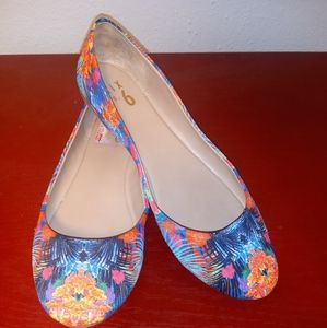 Hawaiian floral print shoes